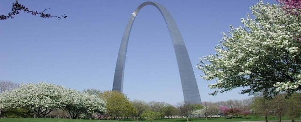 Jefferson National Expansion Memorial - Spring